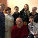 Одесская область: известная певица увезла из Раздельной баночку душистого мёда