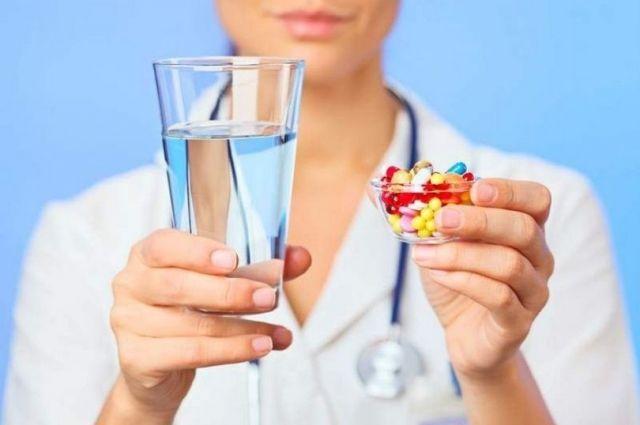 Таблетки не котлетки: как правильно принимать лекарства, чтобы они помогли