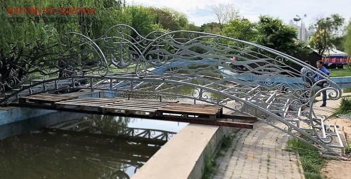 Парковую зону в Одессе украсили новым мостом