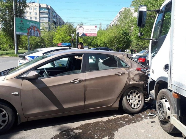Тройное ДТП на Таирова: пострадала женщина